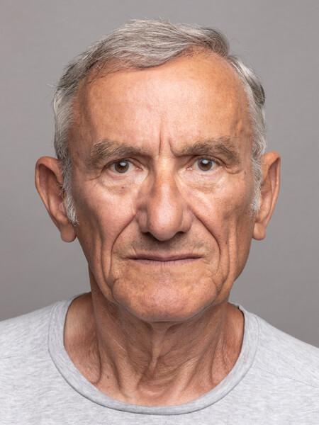 photo d'identité homme pour passeport ou permis de conduire aux normes françaises